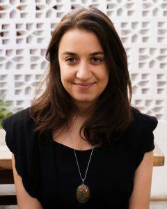 Profa. Gabriela Agustine