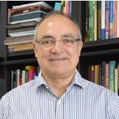 Dr. Maurício Canton Bastos